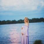 фотограф для беременных в Киеве вечерняя фотосессия на Днепре пляже