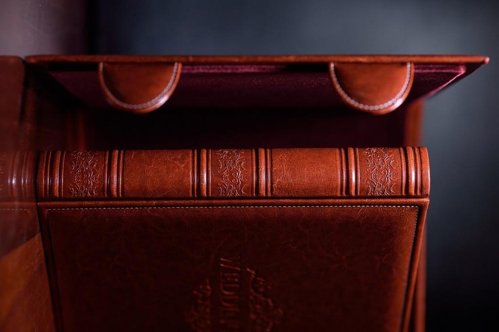 свадебная фотокнига кожанная коричневая чемодан для фотокниги короб заказать Киев