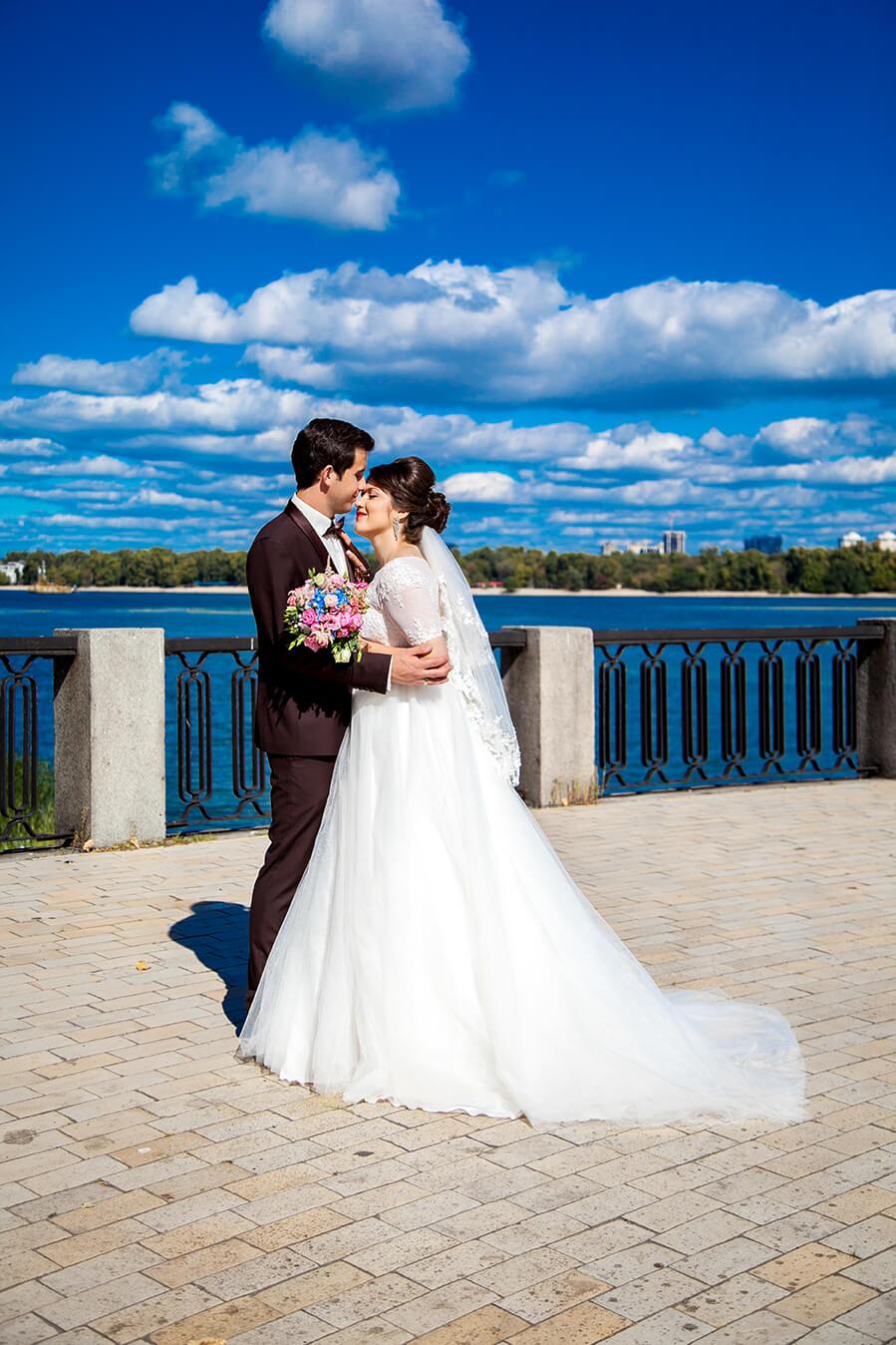 1-svadebnoe-foto-kiev-svadebnaja-progulka-mesta-dlja-svadebnoj-fotosessii-13