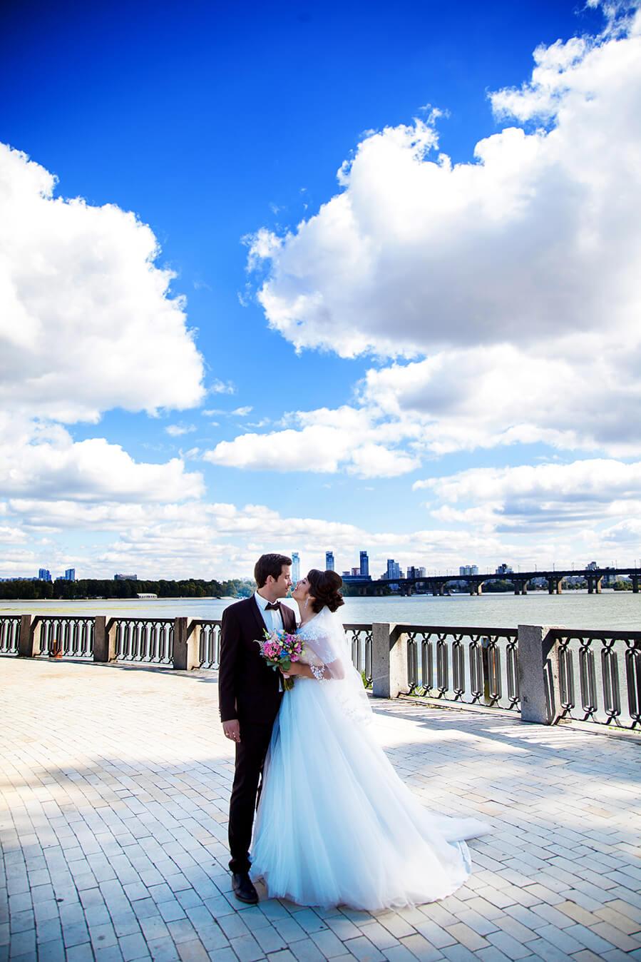 1-svadebnoe-foto-kiev-svadebnaja-progulka-mesta-dlja-svadebnoj-fotosessii-4