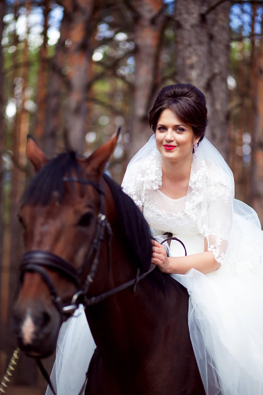 5-osennjaja-vesennjaja-svadebnaja-fotosessija-s-loshadmi-fotograf-kiev-2