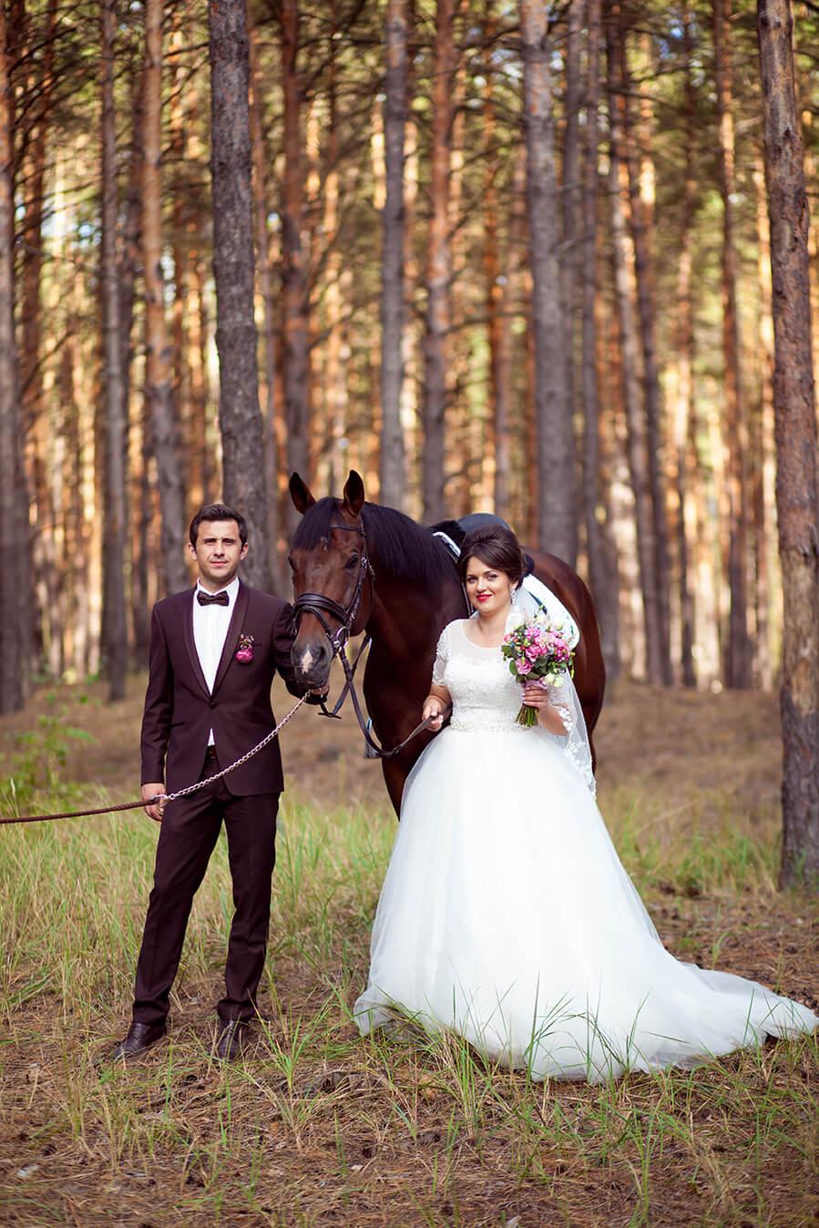 6-svadebnaja-konnaja-fotosessija-zimoj-vesnoj-letom-osenju-1
