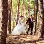 8-svadebnaja-fotosessija-v-lesu-idei-6