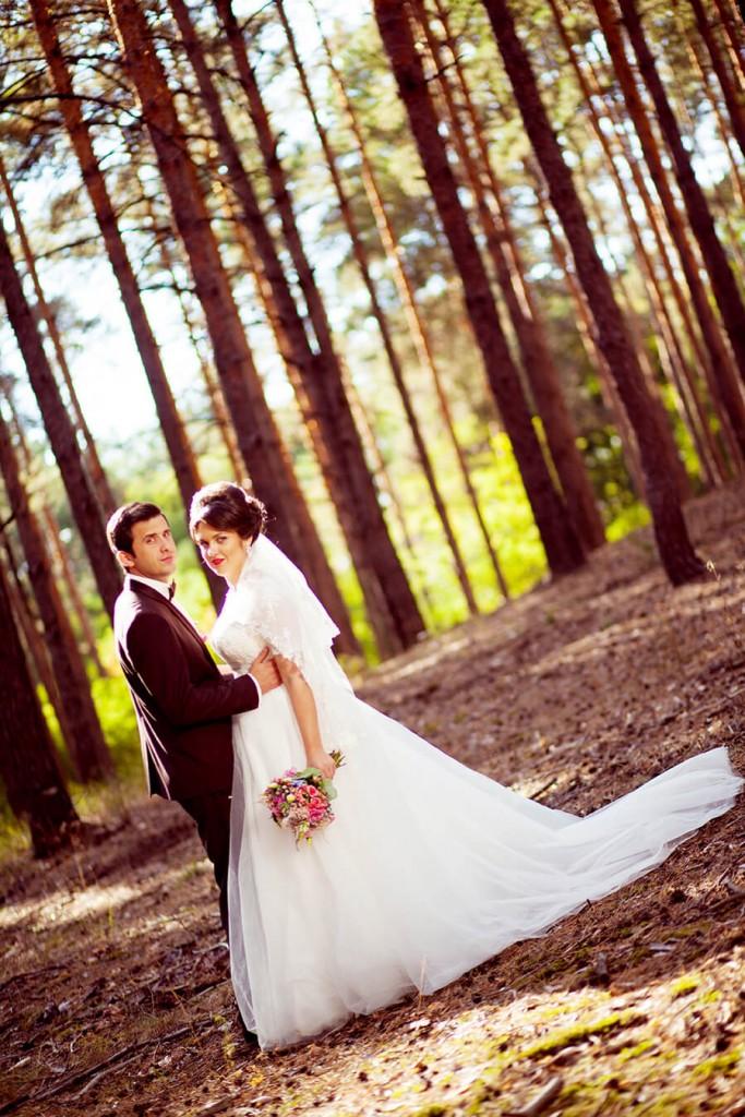 8-svadebnye-fotosessii-v-lesu-idei-kiev-fotograf-marina-prazdnichnaja-15