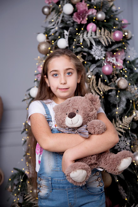novogodnjaja-detskaja-fotosessija-v-studii-6
