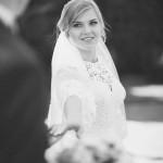 svadebnaja-fotosessija-v-mezhigore-fotograf-kiev-svadebnye-pozy-buket