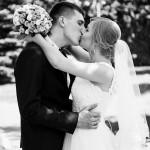 svadebnaja-fotosessija-v-mezhigore-fotograf-kiev-svadebnye-pozy-buket-7