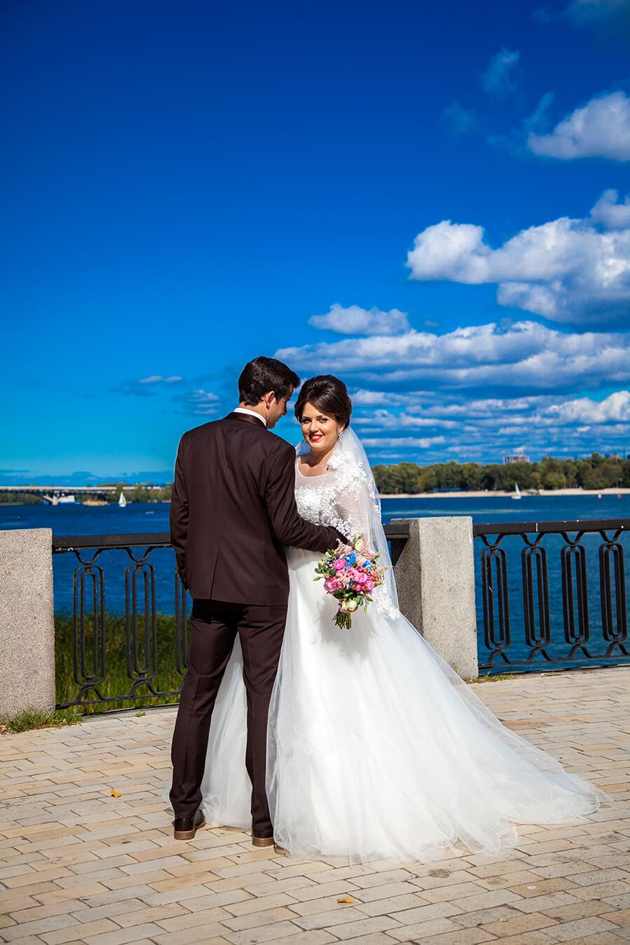 svadebnyj-fotograf-videooperator-kiev-svadebnaja-progulka-mesta-dlja-svadebnoj-fotosessii-3