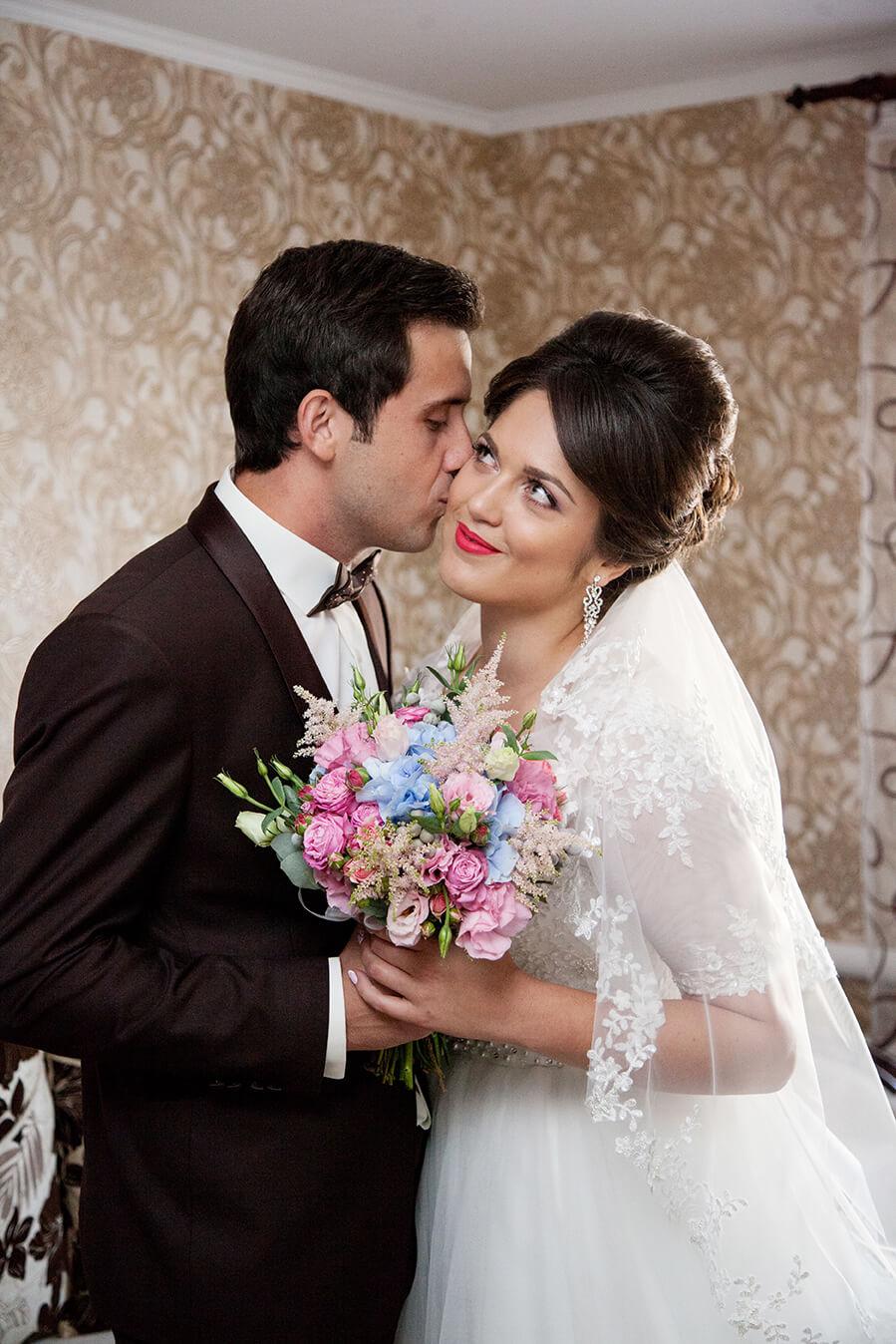 vykup-vstrecha-zheniha-i-nevesty-svadebnoe-foto-fotograf-kiev-5
