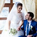 fotograf-na-svadbu-kiev-svadebnoe-foto-v-mezhigore-osen-osennjaja-svadba-pozy-dlja-svadebnogo-foto-idei-16