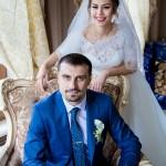 fotograf-na-svadbu-kiev-svadebnoe-foto-v-mezhigore-osen-osennjaja-svadba-pozy-dlja-svadebnogo-foto-idei-17