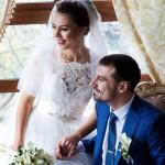fotograf-na-svadbu-kiev-svadebnoe-foto-v-mezhigore-osen-osennjaja-svadba-pozy-dlja-svadebnogo-foto-idei-18