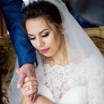 fotograf-na-svadbu-kiev-svadebnoe-foto-v-mezhigore-osen-osennjaja-svadba-pozy-dlja-svadebnogo-foto-idei-20