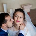 fotograf-na-svadbu-kiev-svadebnoe-foto-v-mezhigore-osen-osennjaja-svadba-pozy-dlja-svadebnogo-foto-idei-21