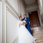 fotograf-na-svadbu-kiev-svadebnoe-foto-v-mezhigore-osen-osennjaja-svadba-pozy-dlja-svadebnogo-foto-idei-4