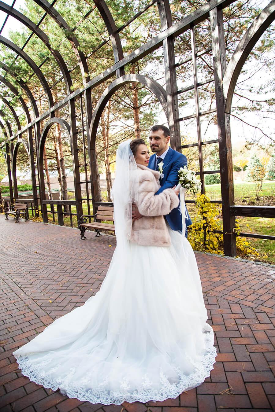Идеи поз для свадебных фотосессий фото