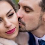 fotograf-na-svadbu-kiev-svadebnoe-foto-v-mezhigore-osen-osennjaja-svadba-pozy-dlja-svadebnogo-foto-idei-87