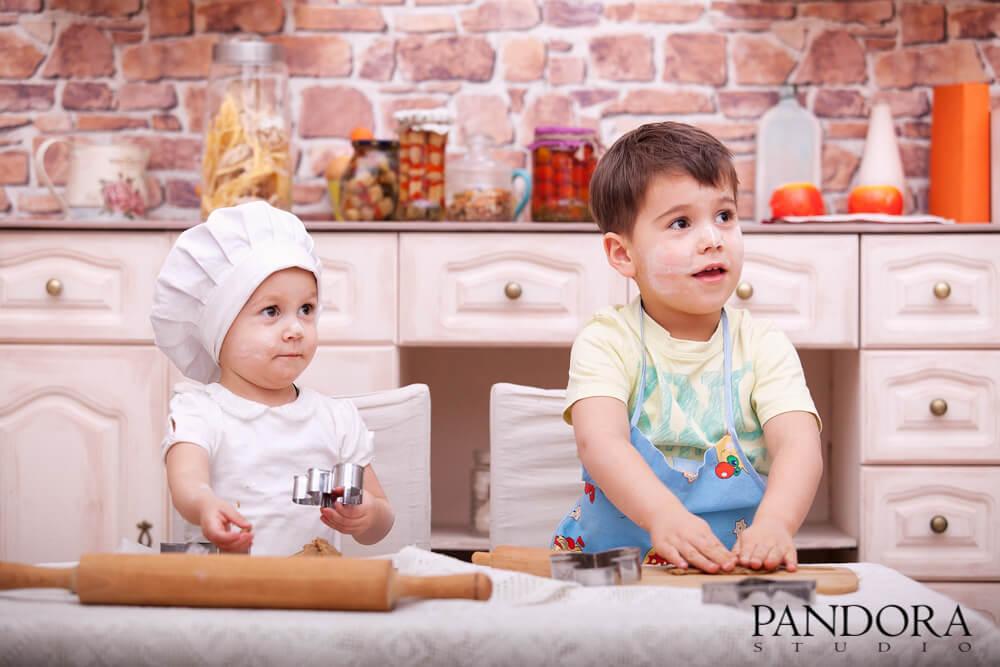fotostudija-pandora-kiev-biznes-portret-fotograf-dlja-zhenskaja-muzhskaja-detskaja-fotosessija-modelnaja-love-story-beremennost