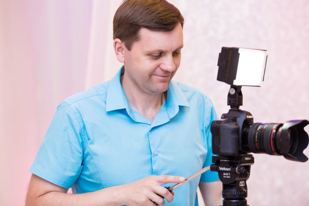 видеооператор киев на выписку из роддома свадебный видеооператор Артем Бездольный (066) 256 33 37