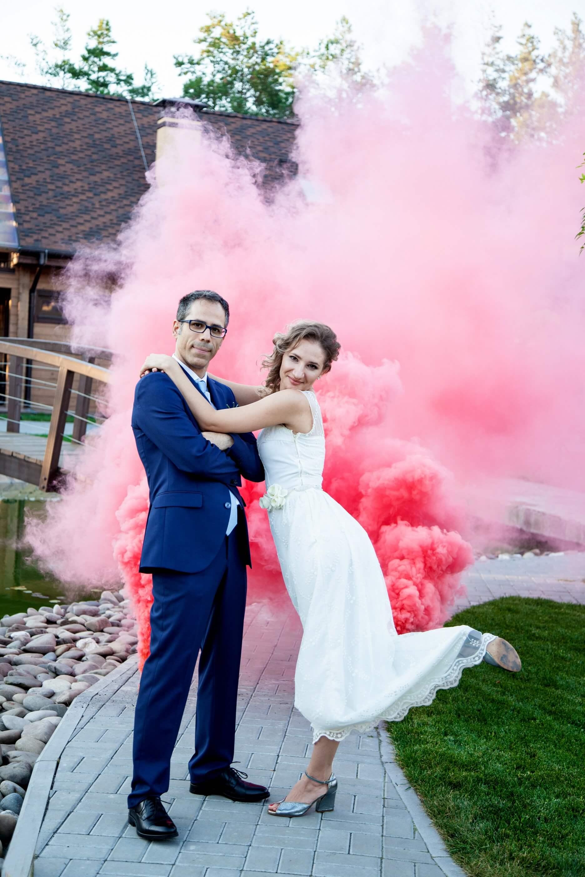svadebnaja fotosessija s dymovymi shashkami (3)