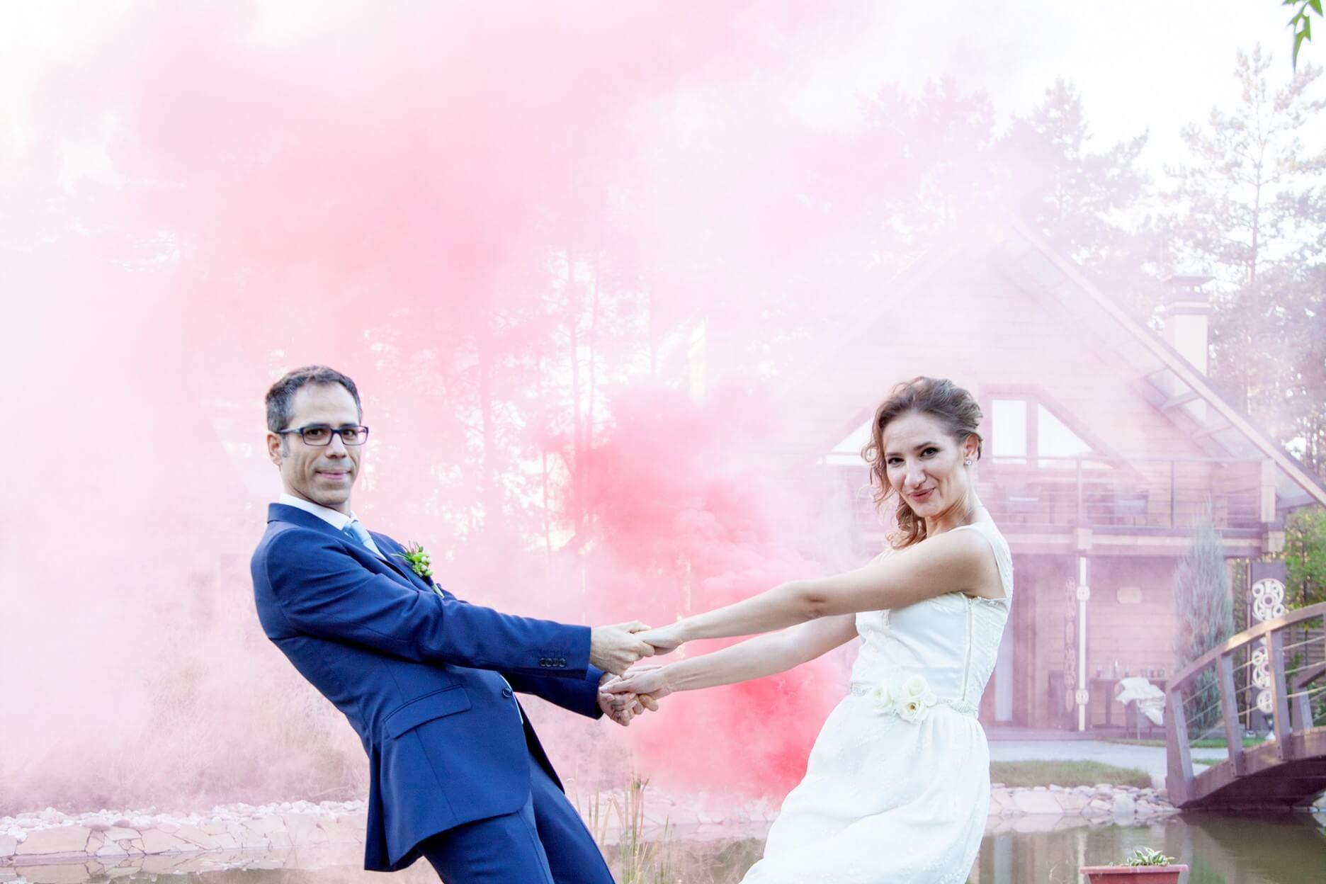 svadebnaja fotosessija s dymovymi shashkami (6)