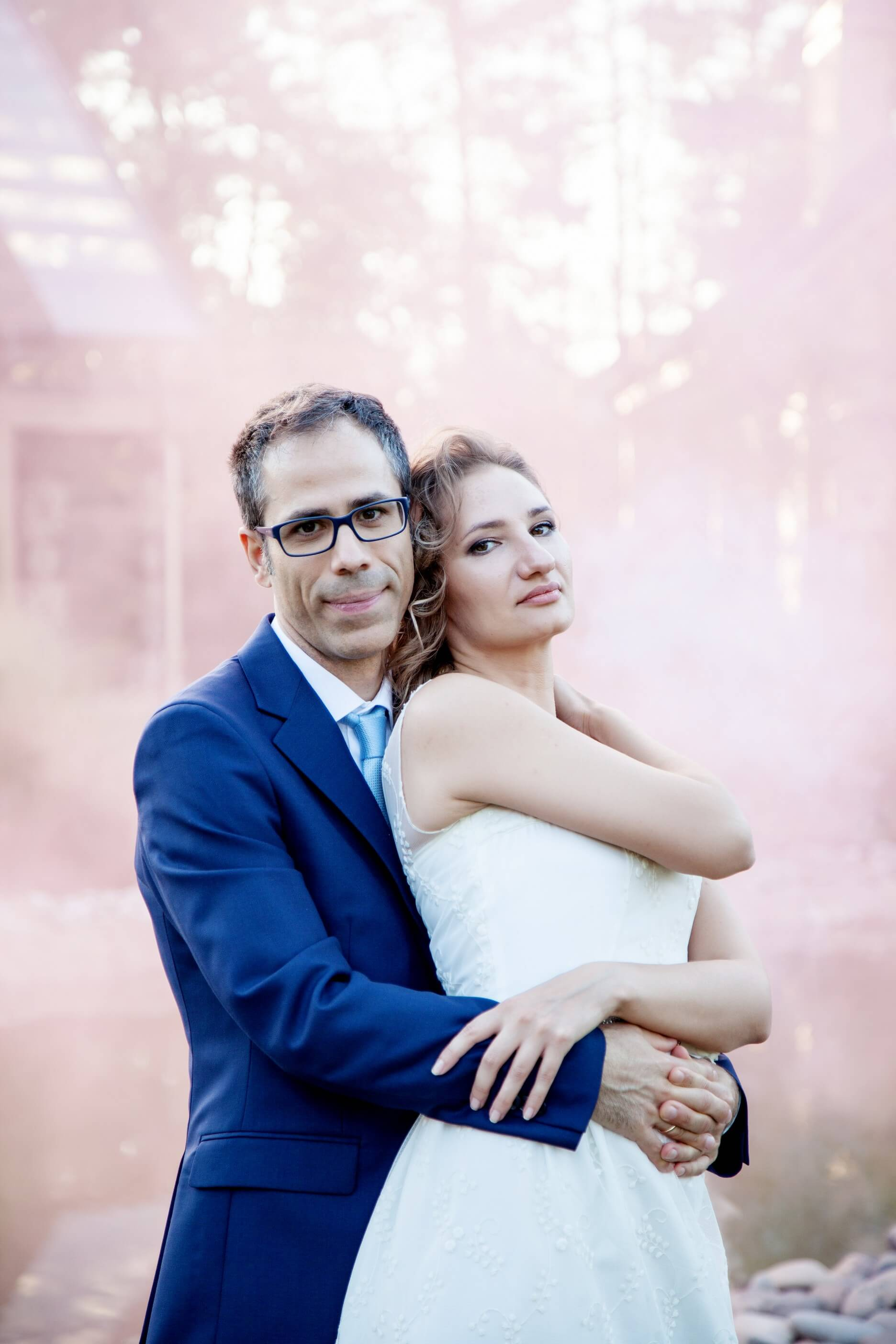 svadebnaja fotosessija s dymovymi shashkami (7)