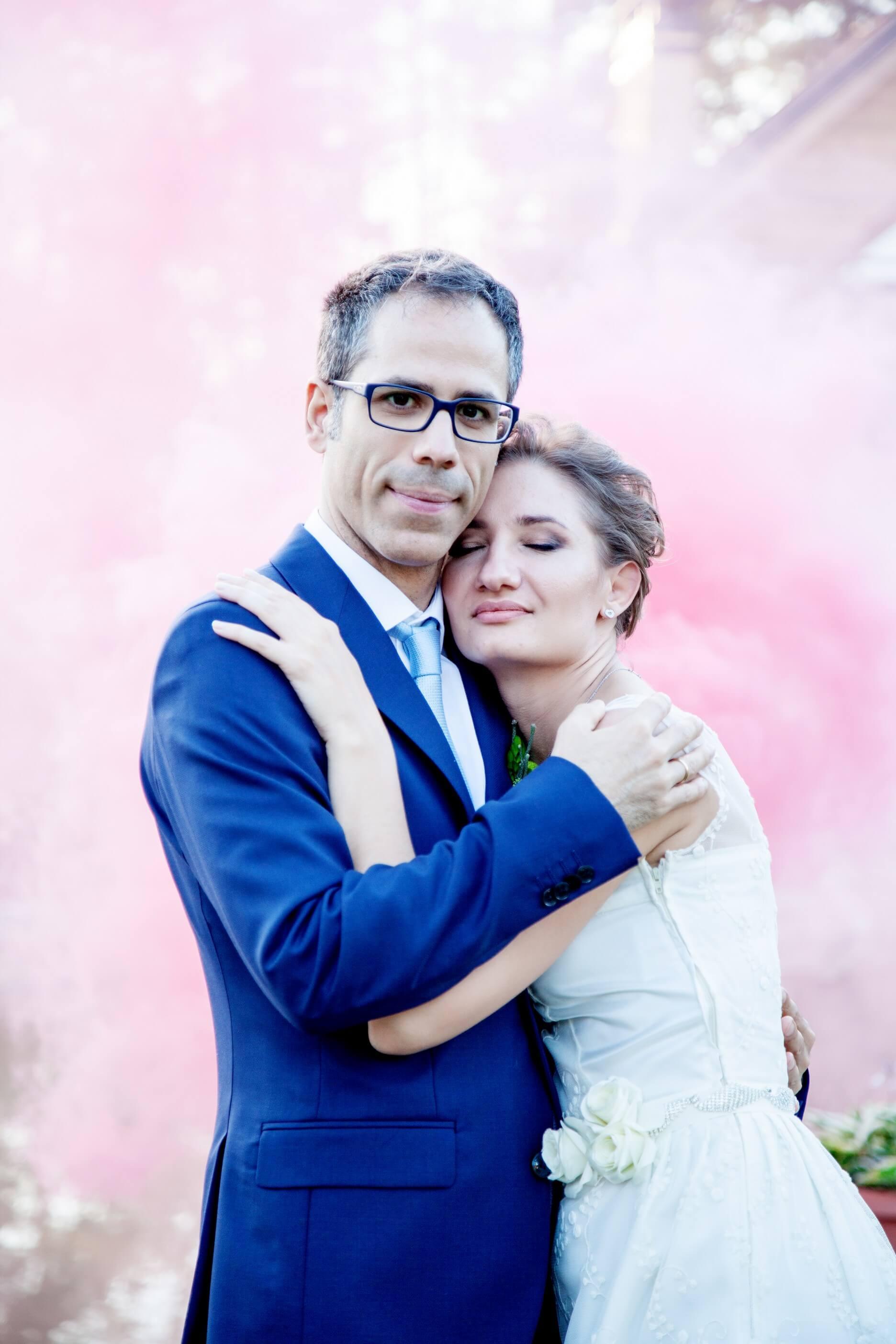 svadebnaja fotosessija s dymovymi shashkami (8)