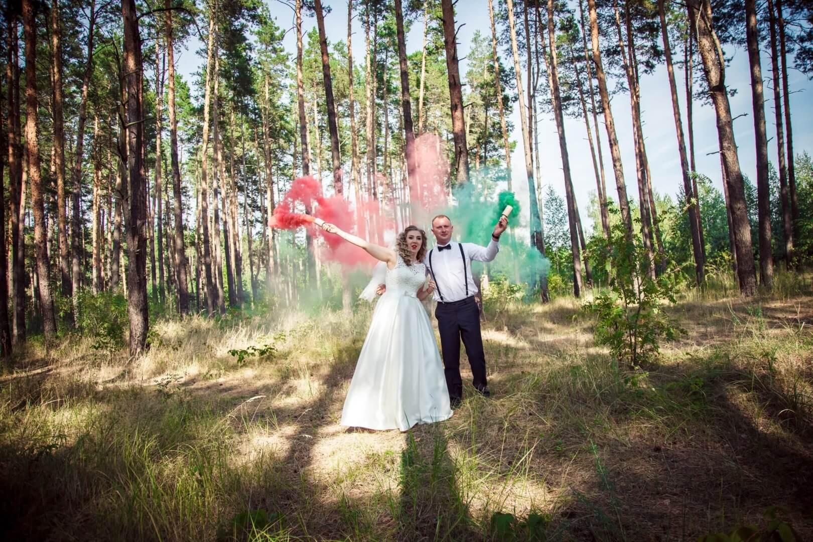 svadebnye foto s dymovymi shashkami fotosessija s dymovoj shashkoj (1)