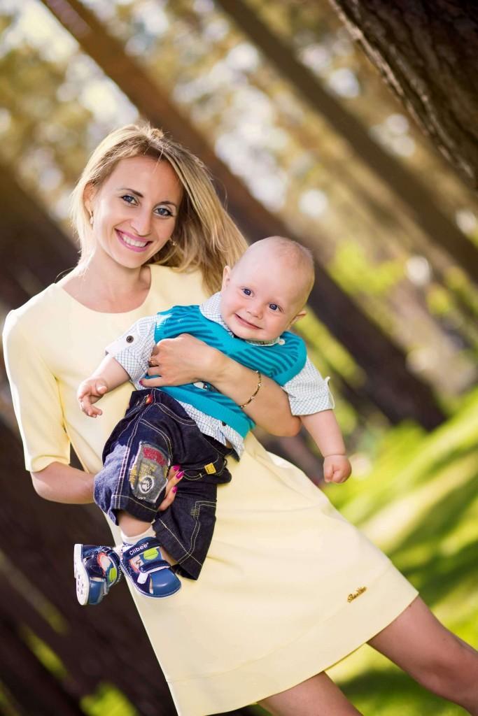Semejnaja fotosessija mama, papa, syn, dochka. Fotosessija v parke g. Irpen' (12)
