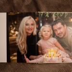 Zakazat' detskuju semejnuju fotoknigu. Pechat' fotoknig Kiev. Fotograf na detskij den' rozhdenija Kiev (14)