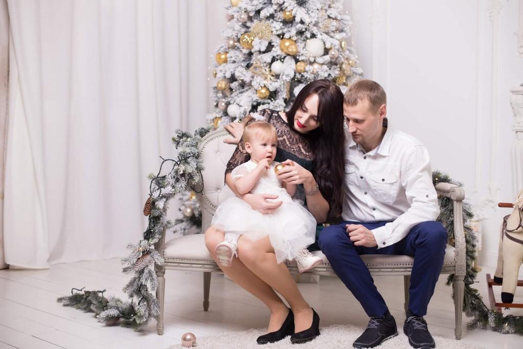 novogodnjaja studijnaja fotosessija pervyj godik dlja devochki kiev (11)