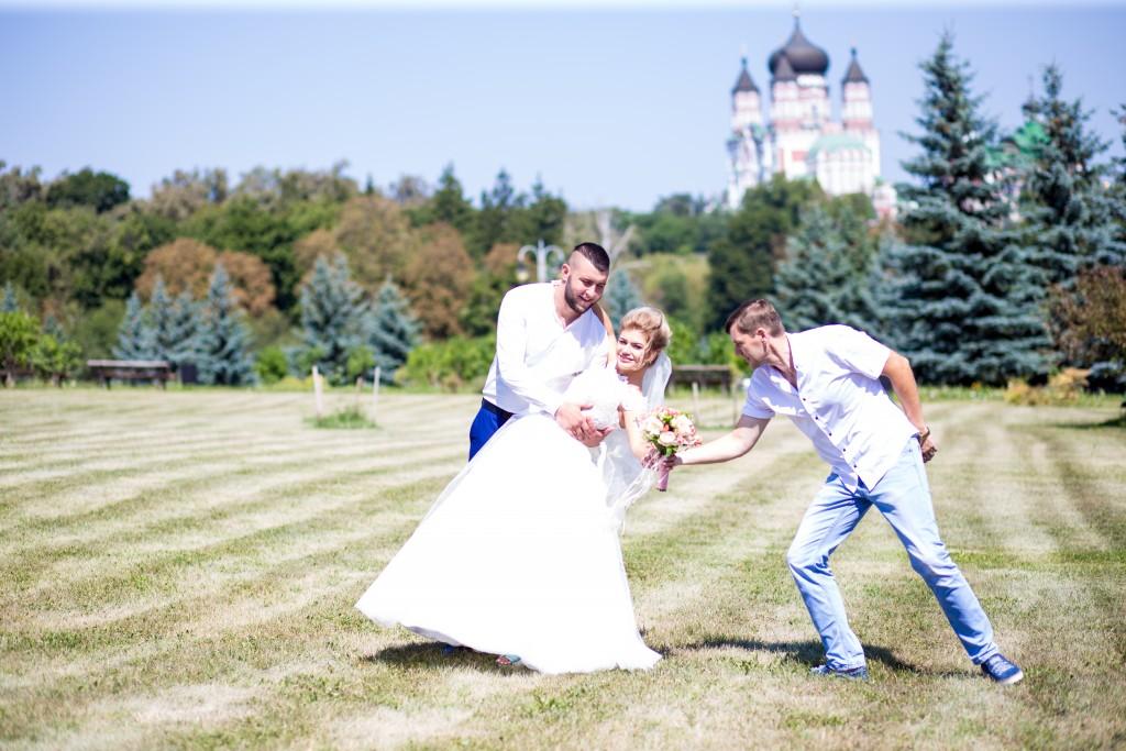 videooperator na svad'bu Kiev s#emka svad'by zakazat' Artem Bezdol'nyj (2)
